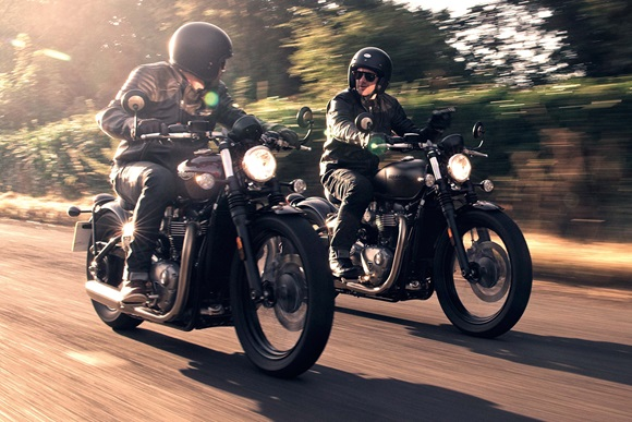 New Bonneville Bobber 登場!!!